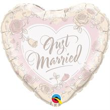 "Just Married Roses Heart Wedding 18"" Foil 