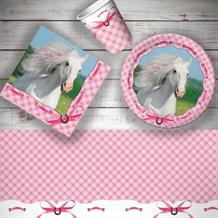 Heart My Horse 8 to 48 Guest Starter Party Pack - Tablecover | Cups | Plates | Napkins