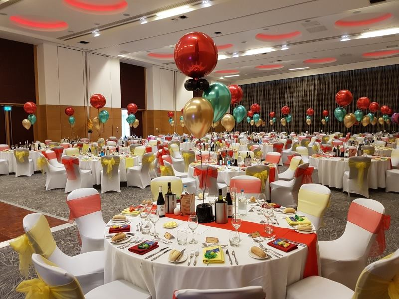 The Greatest Showman inspired Venue Dressing Balloons, Hilton at St Georges Park, Burton on Trent, from Party Save Smile. Corporate event venue dressing and balloons.